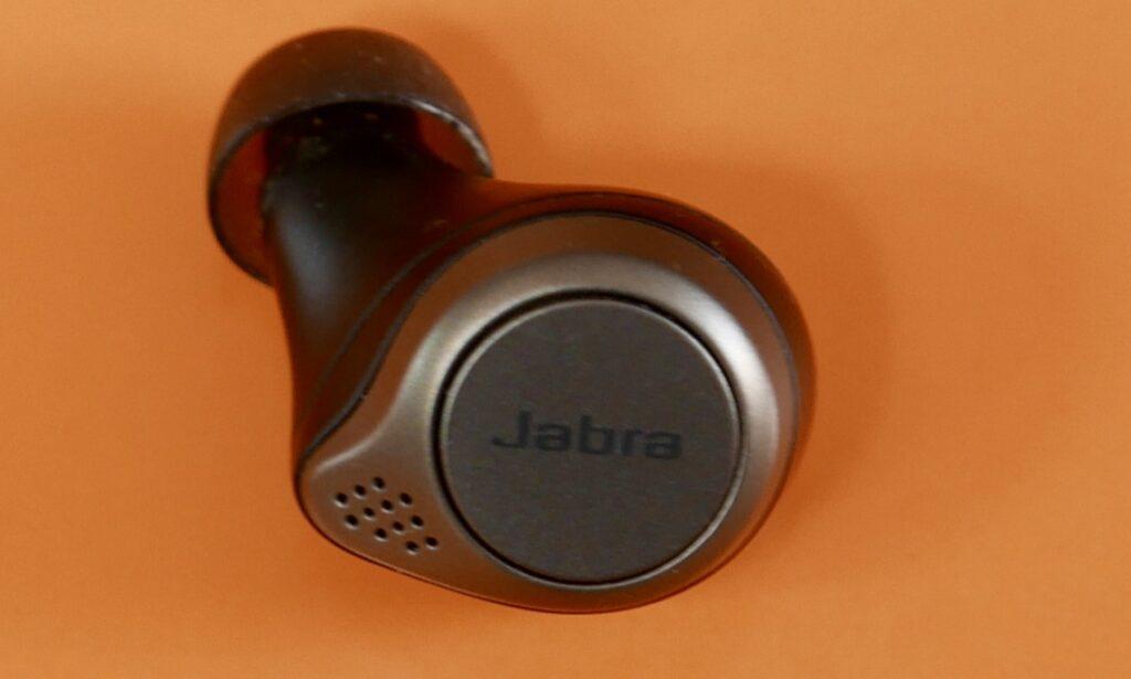 Sabra earbuds
